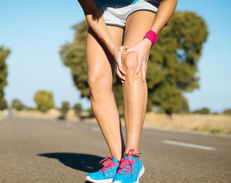woman-with-joint-pain-in-her-knee